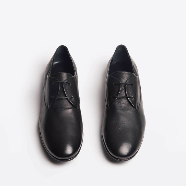 Luna Lace-ups black