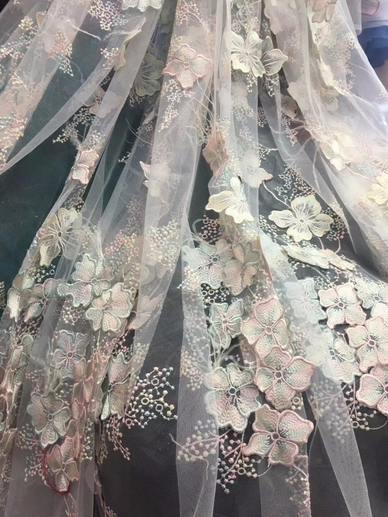 2018 Latest High Quality African applique 3D Lace Fabrics French Net Embroidery Tulle Lace Fabric For Nigerian Wedding