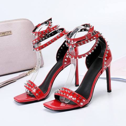 Image of 2019 summer new fashion simple new high heels women temperament pointed rivets decorative stiletto single shoes.