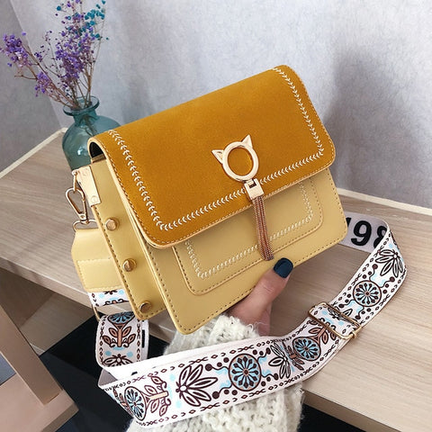 Women's Bag New Style French Small Net Red Small Bag High Sense of Foreign Style Texture Messenger Bag
