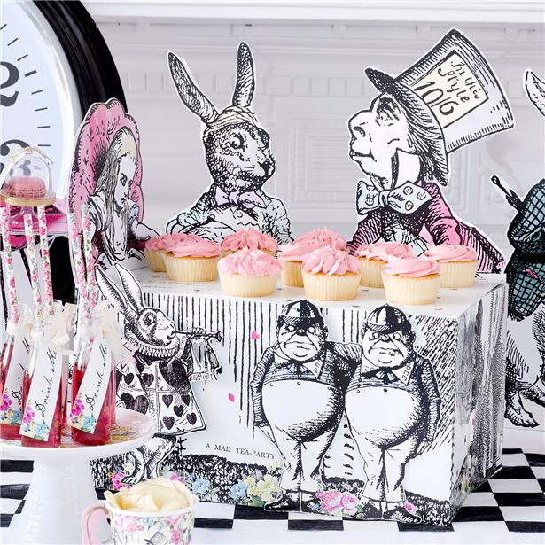 Truly Alice in Wonderland Sweet Table Buffet Centrepiece