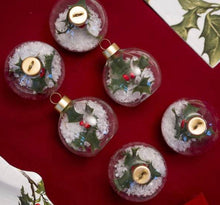 Load image into Gallery viewer, Talking Tables Botanical Holly Bauble Placecard Holders