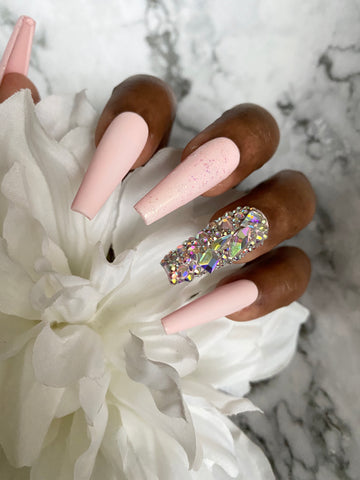 Pretty In Pink press-on nails