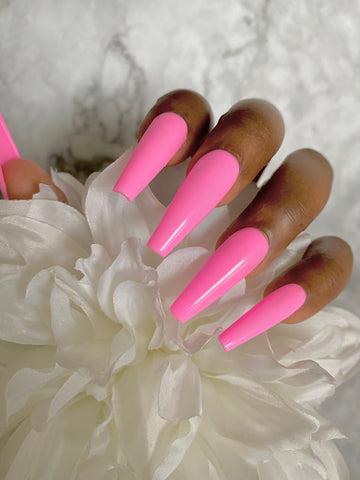 Tickled Pink press-on nails