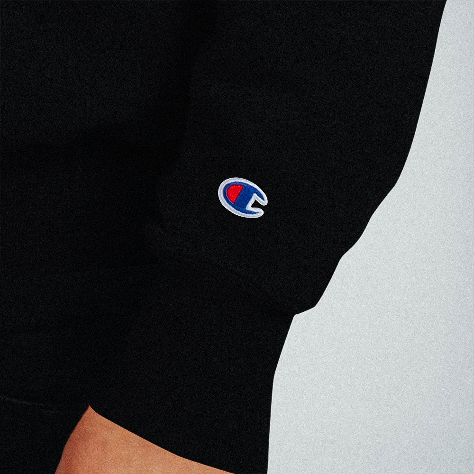 Champion Sweatshirt in Black