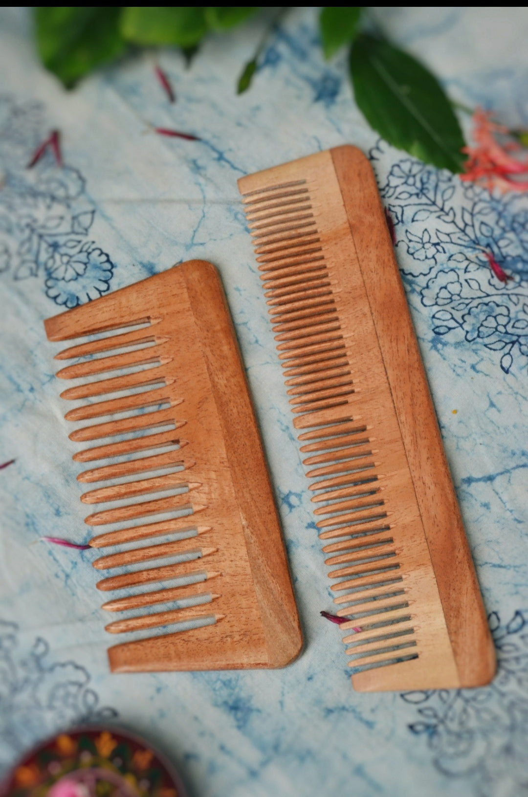 Neem wood hair comb (pack of 2)