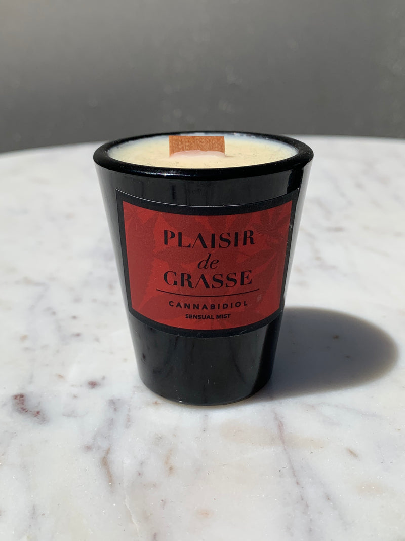Plaisir De Grasse candle in black glass