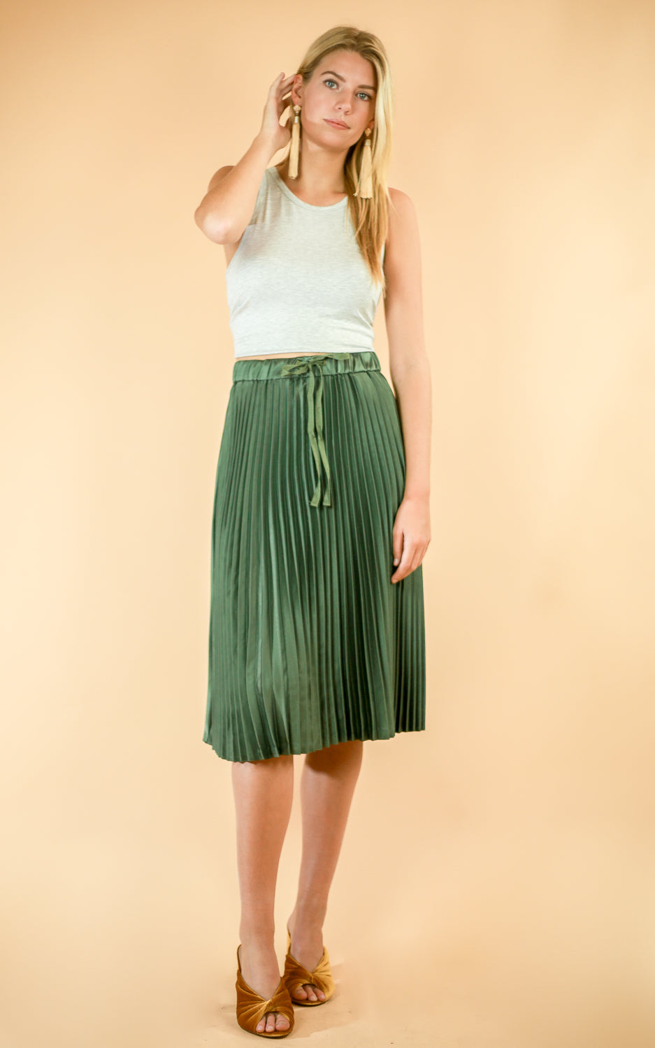 Shiny Pleat Skirt