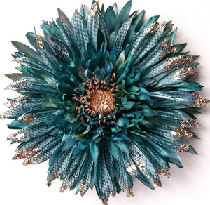 Vintage Pin-Up Turquoise Blue Daisy Hair Flower Clip