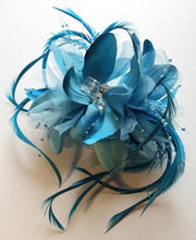 Load image into Gallery viewer, Blue Feather Flower Hair Clip Claw