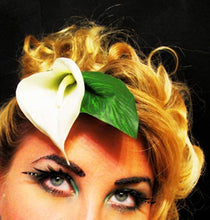 Load image into Gallery viewer, Calla Lily with Leaf Hair Clip