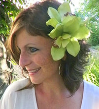 Load image into Gallery viewer, Beautiful Green Orchid Hair Flower Clip