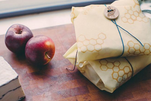 Make Your Own Beeswax Food Wrap (Fun DIY)