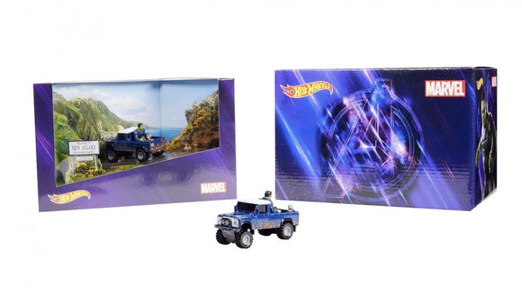 SDCC 2020 Mattel Hot Wheels Marvel Land Rover Defender 110 Truck Rocket & Hulk