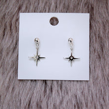 Load image into Gallery viewer, Silver Shining Star Earrings