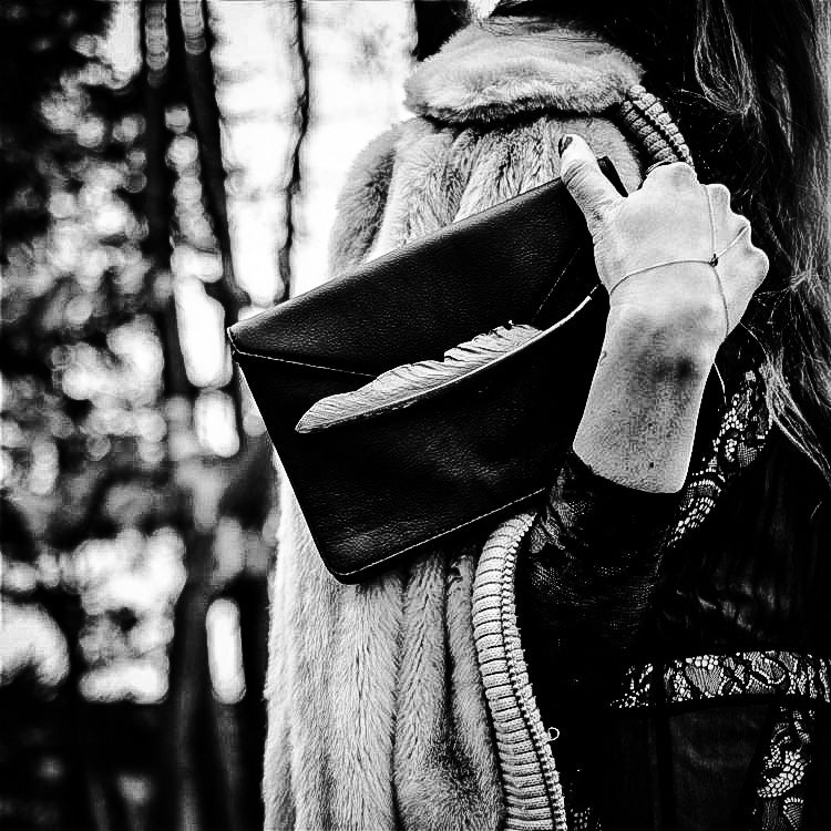 The Sparrow Clutch / Crossbody | Rock & Stone - The Wolf In Me