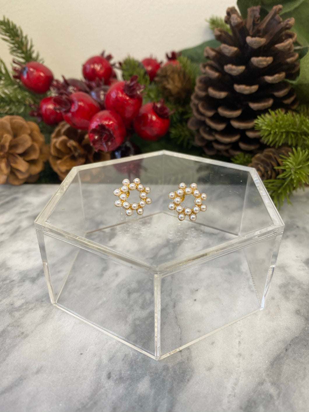 Cluster Pearl Stud Earrings