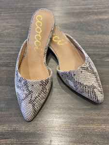 The Molly Flat Shoe-Beige Snake