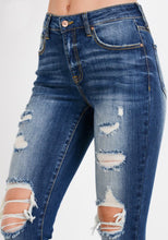 Load image into Gallery viewer, Ces't Toi Distressed Skinnies - Kennedy Wash