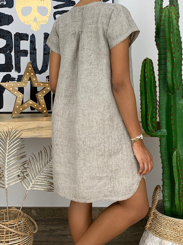 Solid Color Short Sleeve V-Neck Casual Dresses