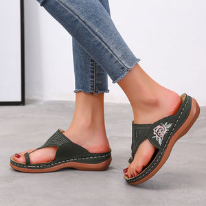 Slip-On Style Single Toe Strap Floral Embroidery Soft Footbed Slippers