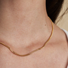 Load image into Gallery viewer, Divine Curve Necklace