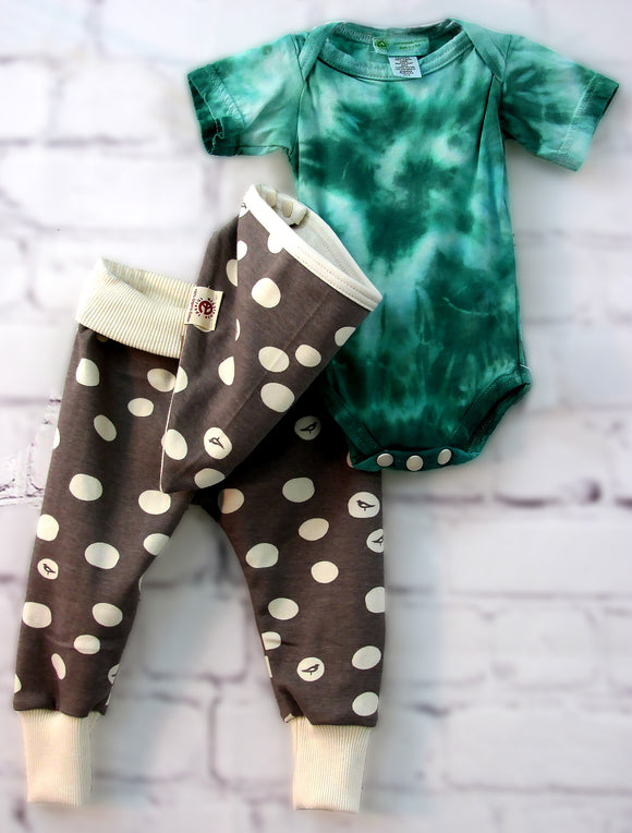 Green Tie-dye-n-Dots     ___    (Onesie Set)