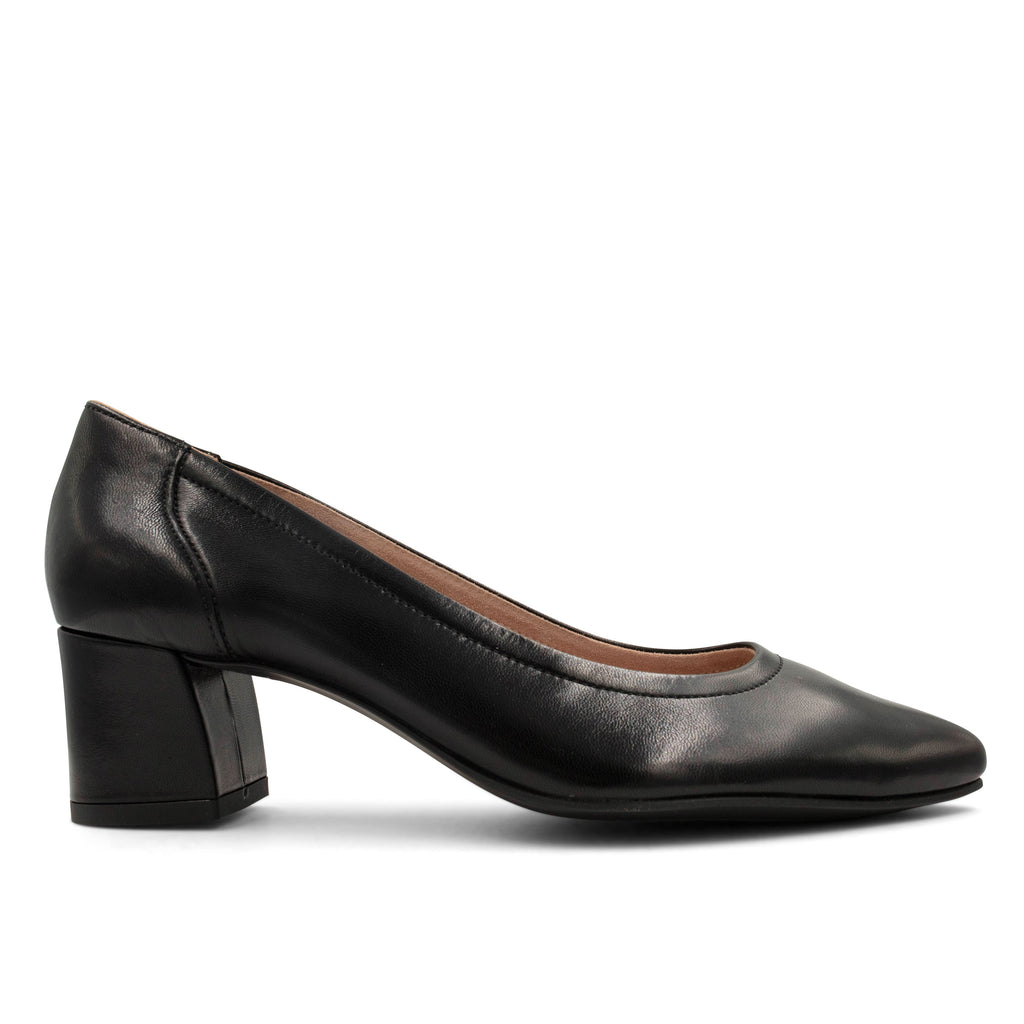 Side view of Paul Greens Tammy Pump in Black Soft Nappa