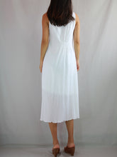Load image into Gallery viewer, Sleeveless Turtleneck Dress in White
