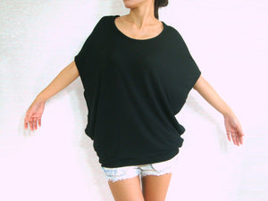 Women Black Scoop Neck Tops with Sided Pockets Oversized Tops