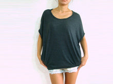 Load image into Gallery viewer, Women Gray Baggy T Shirt Scoop Neck Oversized Top with Pockets