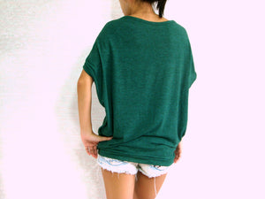 Green T-Shirt Scoop Neck Oversized Top with Pockets
