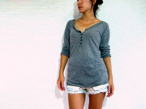 Gray Women Raglan Sleeves Buttoned T-shirt