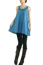 Load image into Gallery viewer, Loose Cotton Sleeveless Blouse with Pockets - Blue