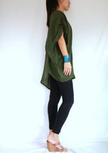 Load image into Gallery viewer, Green Oversized Summer Tunic Plus Size Boho Tops