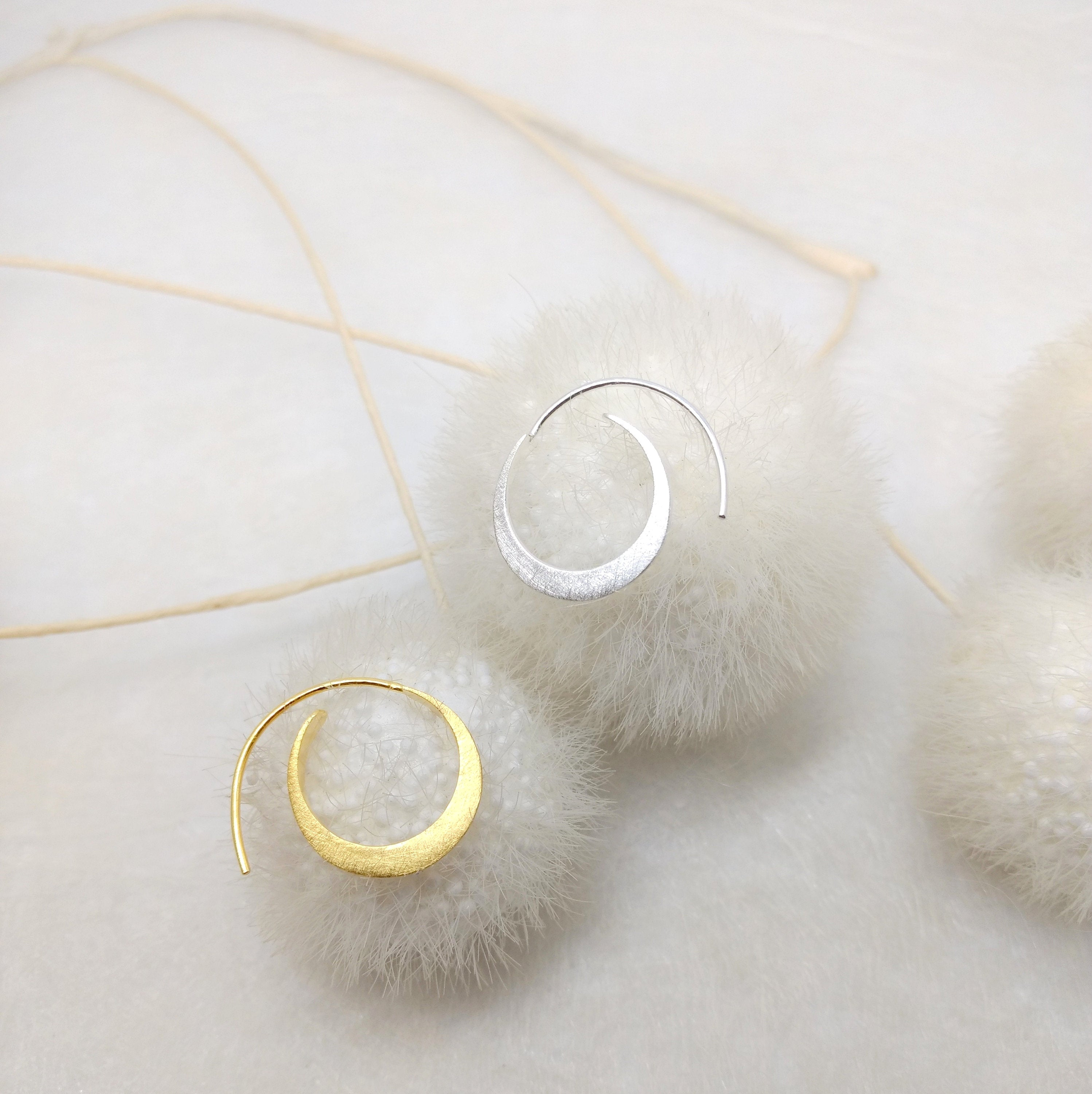 PaKti - small (ø 20mm) hoops in silver or silver gold plated