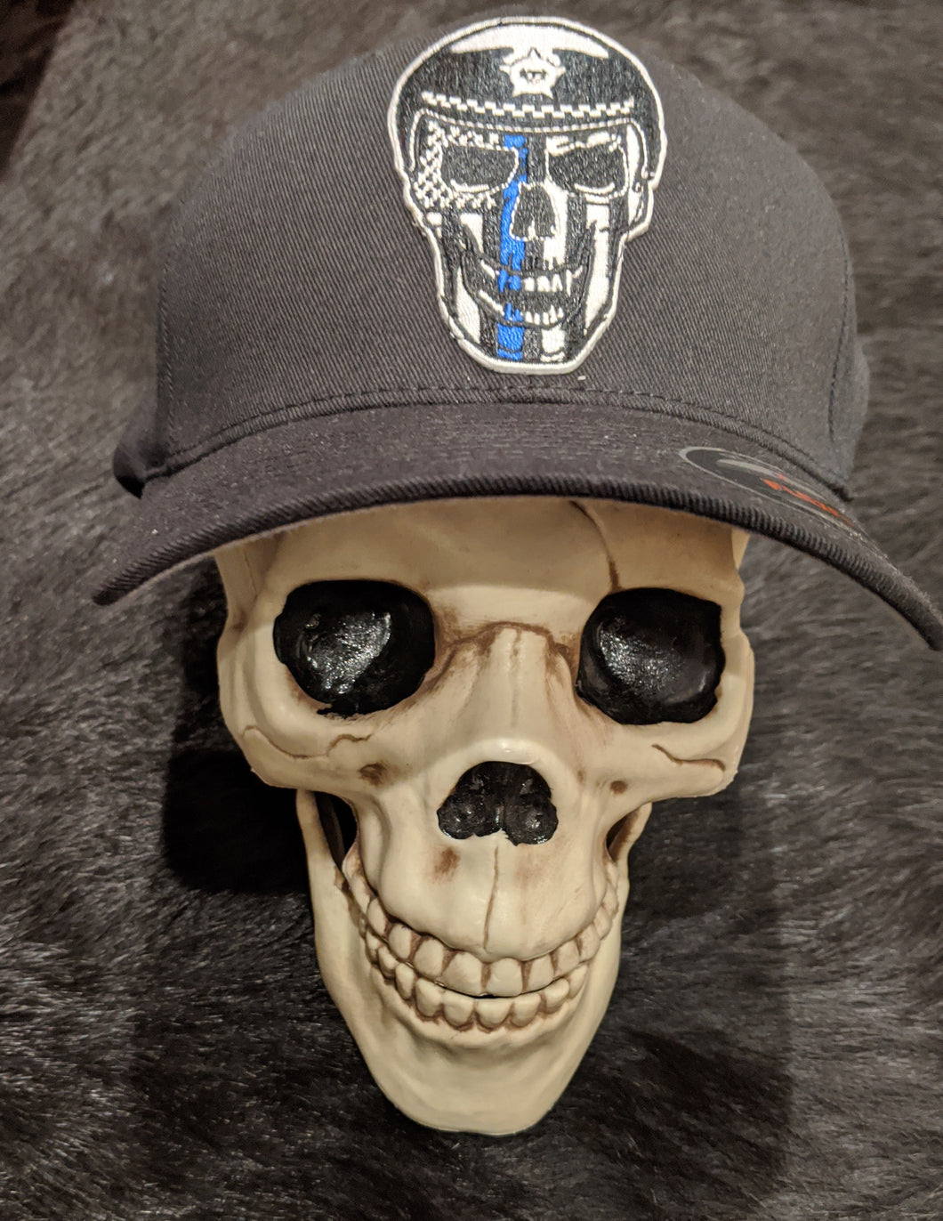 L.E. SKULL WITH THIN BLUE LINE FLEXFIT HAT - NO LAWS MOTORCYCLES