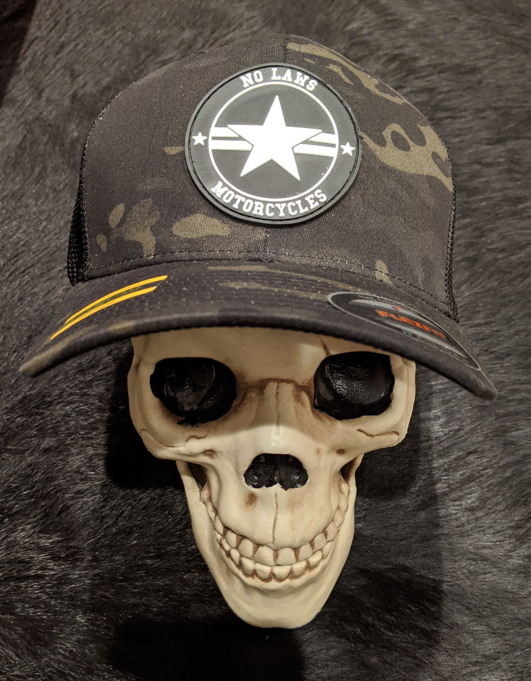 NO LAWS MOTORCYCLES  HAT WITH PVC PATCH FLEXFIT - NO LAWS MOTORCYCLES
