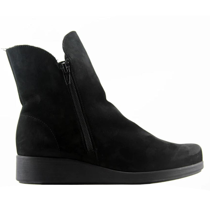 Bella - Black Nubuck
