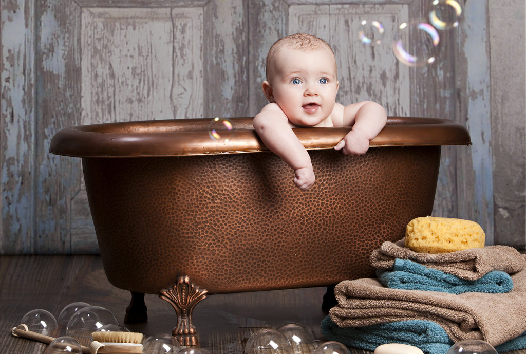 Baby in bath_Zuze and friends