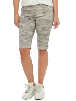 Absolution Cuffed Bermuda Booty Lift Shorts Stretch Camouflage Beige Sand Long Shorts