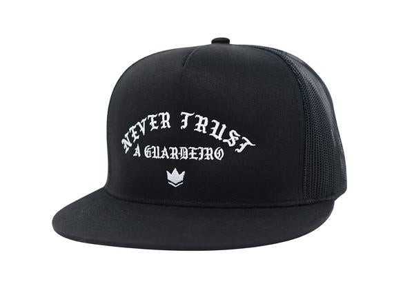 Kingz Never Trust a Guardeiro Snapback Hat - Black/White