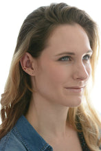 Load image into Gallery viewer, 14K Gold-Filled Leaves Ear Cuff Conch No Piercing Earrings Minimalist Wire Cartilage
