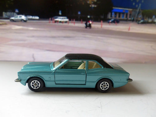 313 Whizzwheels Ford Cortina Mk III GXL 'Graham Hill' in blue