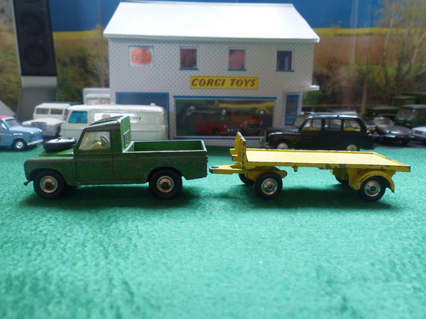438 Land Rover (early edition) and trailer from Gift Set 22 (3)