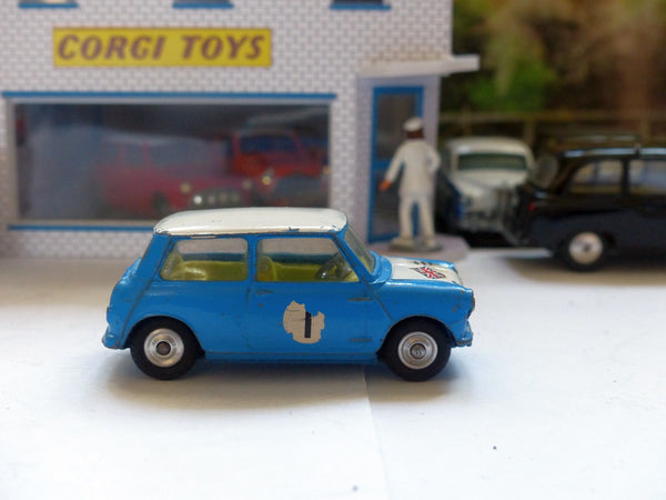 227 Morris Mini-Cooper in blue with a white bonnet (scarce version) (1)