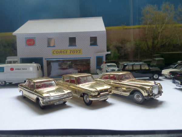 Gift Set 20 The Golden Guinea Set 3 cars (gold)