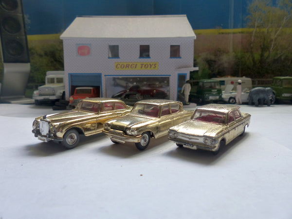 Copy of Gift Set 20 The Golden Guinea Set 3 cars (gold)(2)