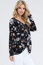 Load image into Gallery viewer, Floral V-Neck Front Twist Top - Cup of Tea Boutique