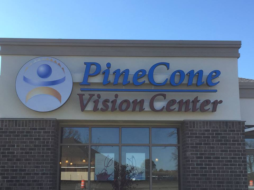outdoor signs st cloud minnesota, pine cone vision center, business signage st cloud minnesota, commercial business signs